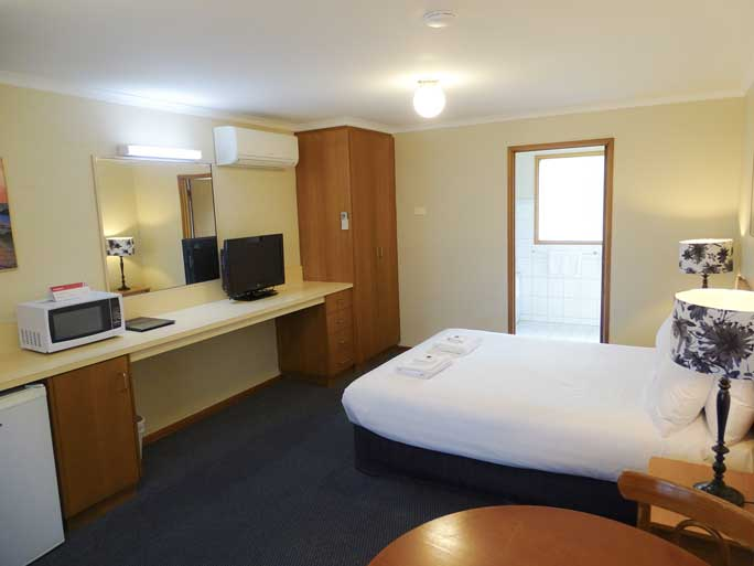 Deluxe Spa motel room accommodates 2 people
