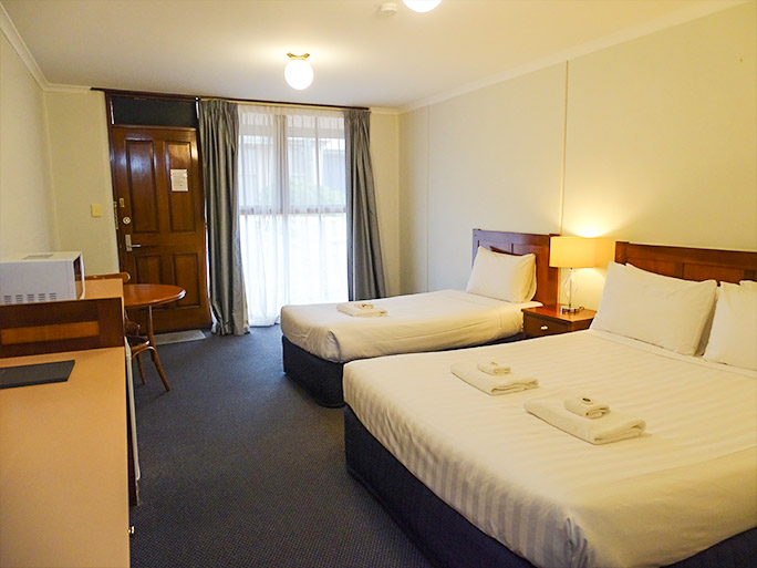 Twin motel room Lightkeepers Inn Motel Aireys Inlet accommodates 2-3 people