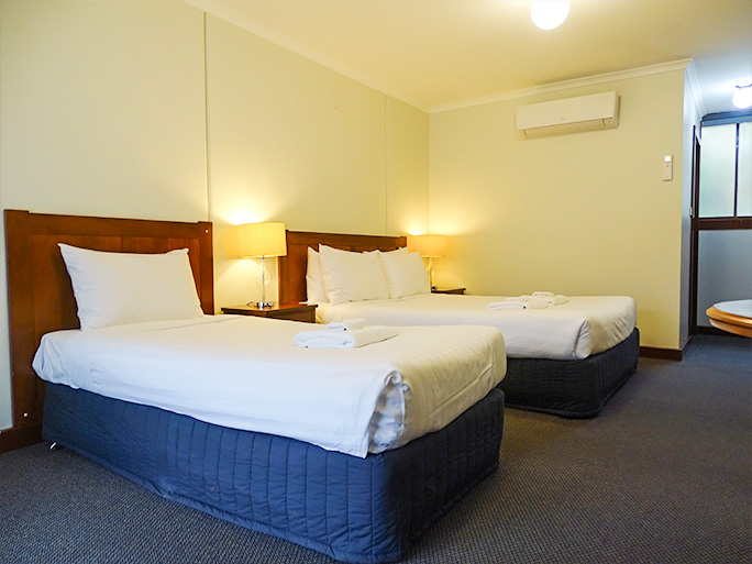Twin motel room Lightkeepers Inn Motel Aireys Inlet accommodates 2 - 3 people